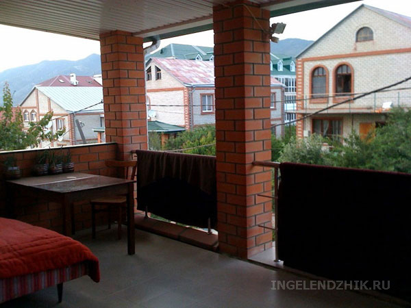 Gelendzhik private sector. Photo of the terrace for Room 3 and Room 4