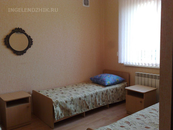Gelendzhik private sector. Photo of the room 5 triple